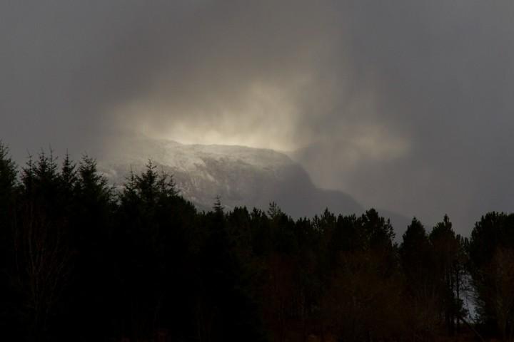 Et hull i skyene avslører hva værgudene pønsker på