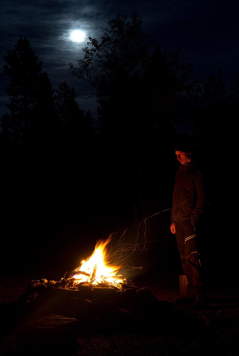 Måtte bålet brenne lenge og varme alle villmarkinger der ute.