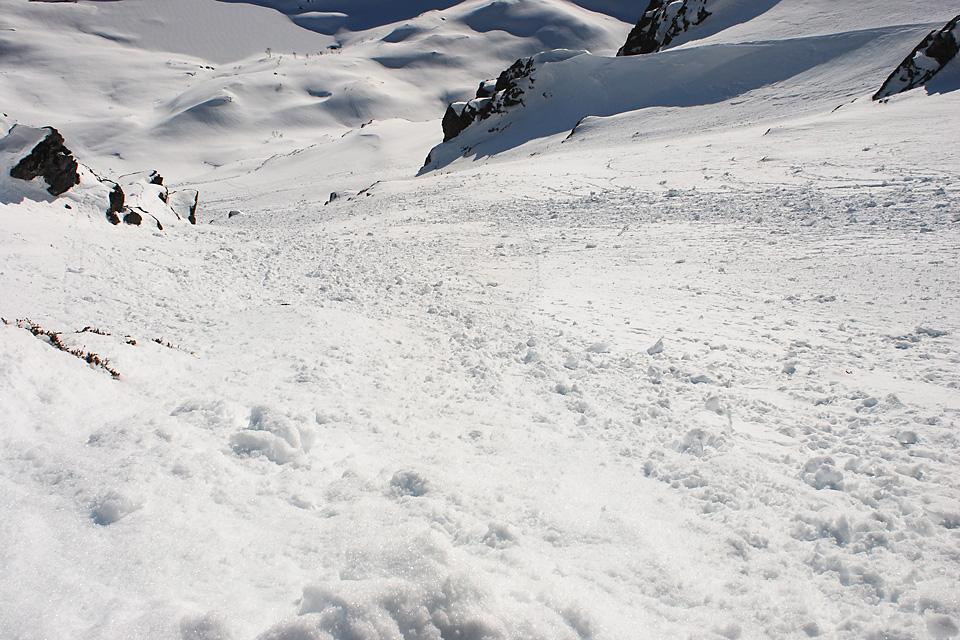 Fra toppen ser vi hele linja ned til Trollkyrkjevatnet.