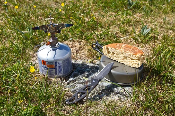 Med en enkel gassbrenner har du sannsynligvis ikke bruk for multiverktøy. Da kan en liten lommekniv være tilstrekkelig