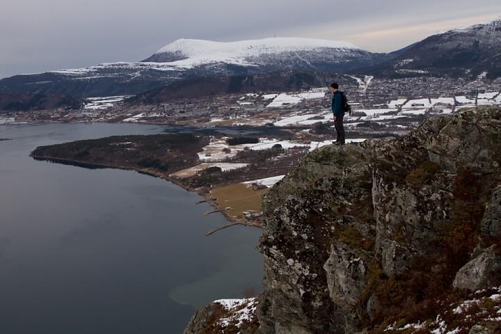 Endelig ser eg slike fjell, fjorder og daler som eg i min fyrste ungdom såg.