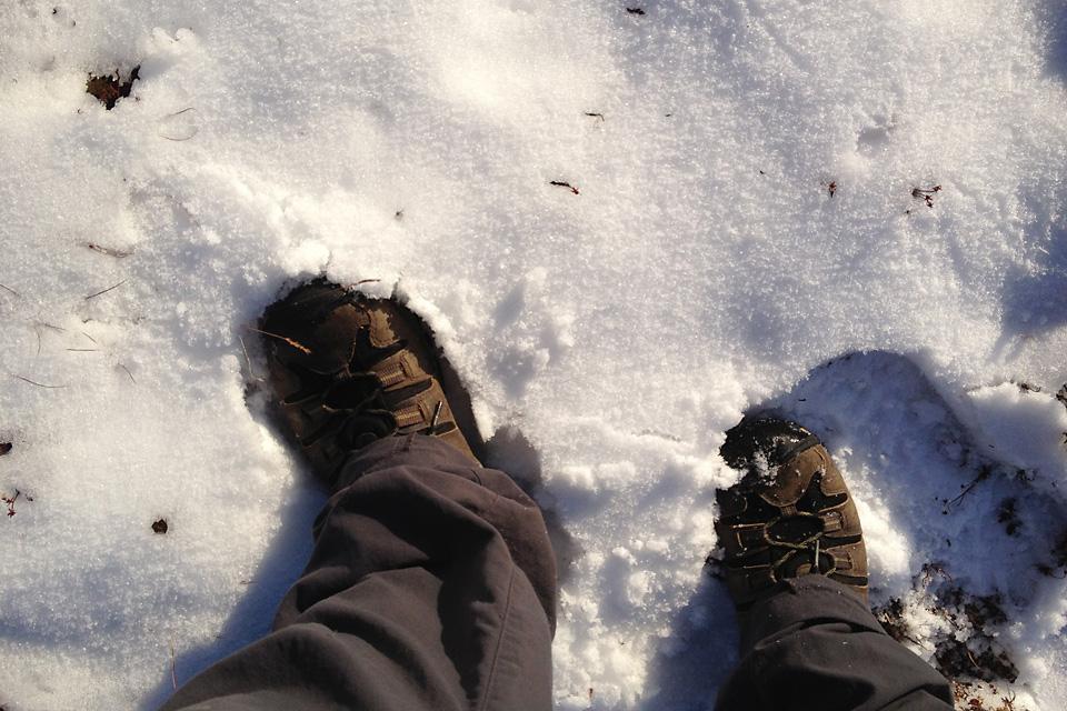 Følelsen av endelig å gå på snø igjen. Herlig!