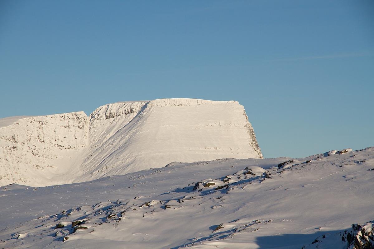 Mårtind er et av fjellene som skal få besøk i løpet av vinteren. Toppturvinteren.