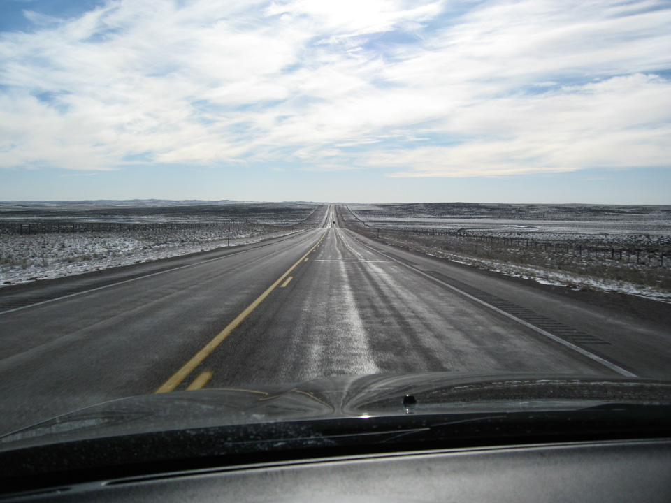 Selv i 120 km/t virker prærien endeløs.
