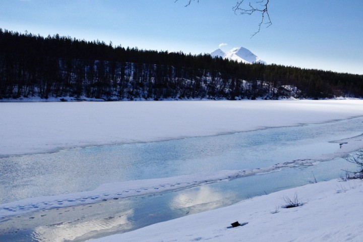 Det eneste vi ikke har gjort er å fjerne isen av Målselva. Der får naturen gå sin gang, så første uka får vi dessverre ikke padlet kano. Men alternativt opplegg er på plass, så det blir en god opplevelse.