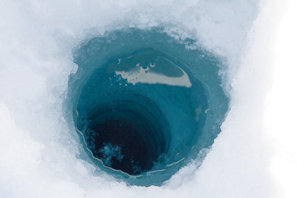 Et sted der nede svømmer storrøya rundt. Bare ikke ved kroken min.