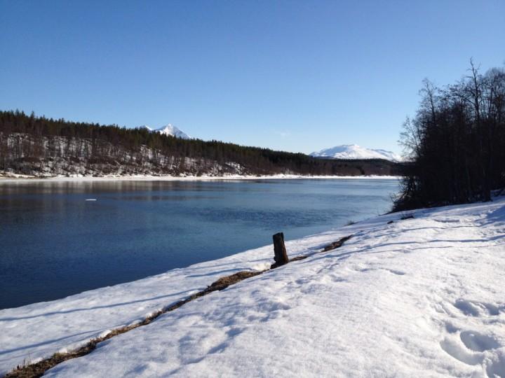 Vinteren har imidlertid ikke sluppet taket helt, så vi fikk dessverre ikke ta med elevene på padletur. Det får vente til elva er helt isfri om ikke lenge.