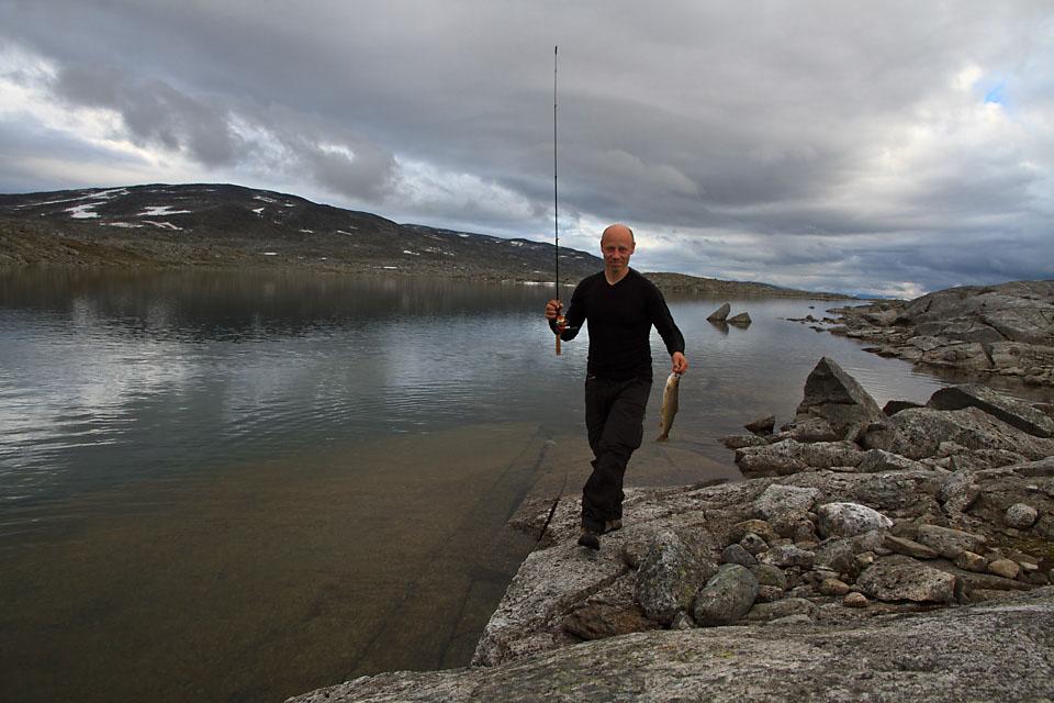 På tur fra Sulitjelma til Narvik ble det mange ørretmiddager i Narvikfjellene.