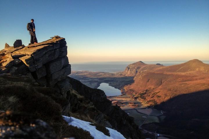 Fra toppen av Tverrfjellet, med åpen utsikt mot Melen, Stemshesten, Farstad og Hustavika. Island neste stopp.