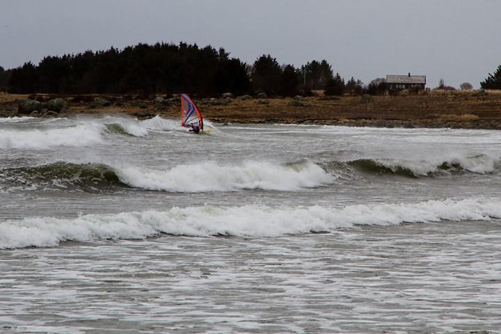 Kombinasjonen gammel sjø etter en storm og liten kuling for å få fart på brettet.
