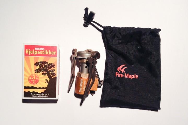 Fire Maple FMS-300T er kompakt, veier  49 gram med trekk og er på størrelse med en litt tykk fyrstikkeske sammenpakket.
