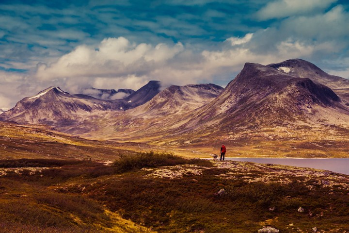 Eikesdalsfjella og Dovrefjell-Sunndalsfjella nasjonalpark er et område jeg stadig må reise tilbake til. Bildet er fra Reinsvatnet i 2011.