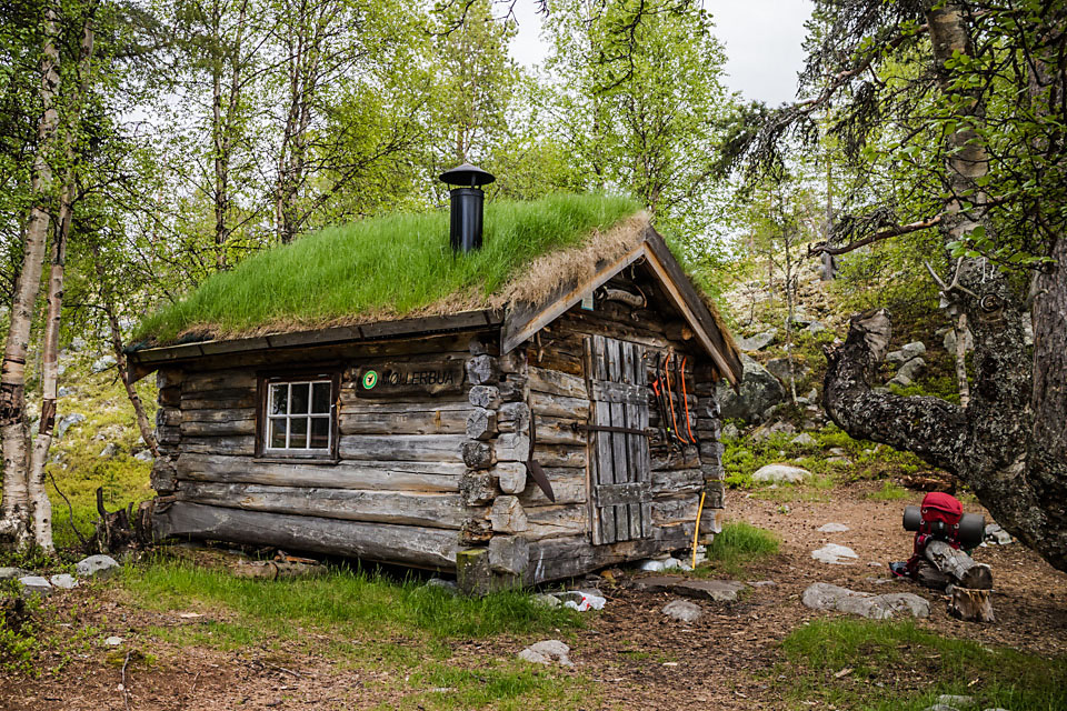 Møllerbua er en tømmerkoie som i utgangspunktet ble satt opp for fiskere i Femundsmarka. I dag er den en trivelig og åpen statskogkoie.