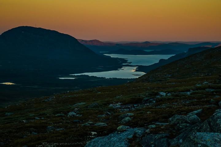 Kveld over Kilpisjӓrvi på vei ned fra fjellet