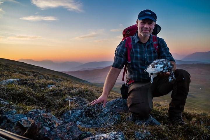 Med lett sekk på jakt kan en sørge for et par ryper til kveldsmaten mens en går inn dit teltet skal settes opp.