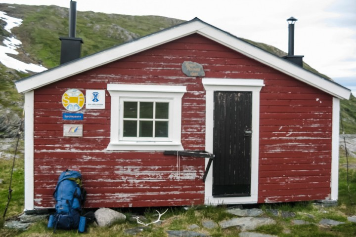 En sliten hytte ble første møte med svenske turistforeningen.