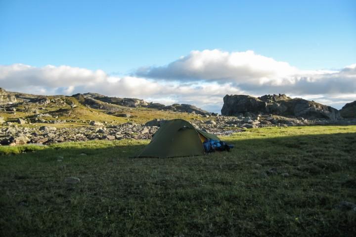 Teltplass rett før grensa og Narvikfjellene.