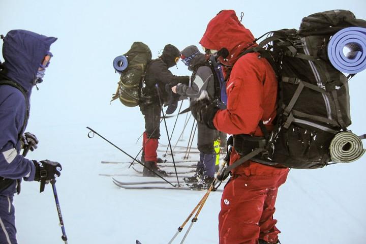 Kompasskurs tas ut før vi starter dagens etappe.