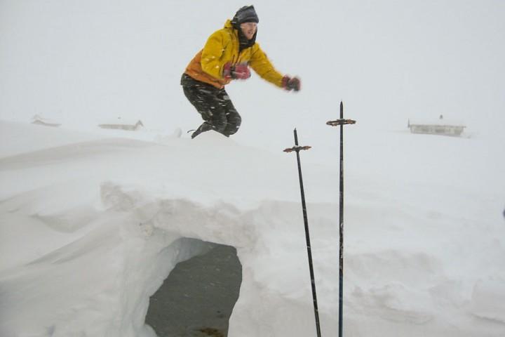 P.K. river snøhula før vi kan dra videre.