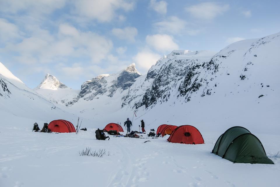 Topptur Camp i Ringsdalen med Bachelor Friluftsliv i 2008. Telt: Hilleberg Nallo 2 GT og Keron 4GT