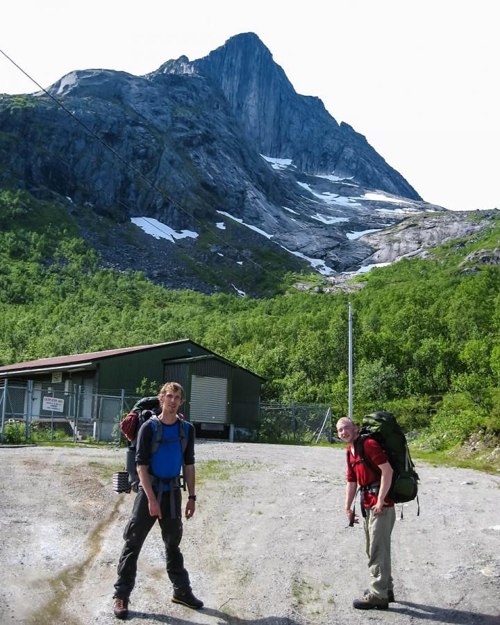 Klar for turen opp til Nordveggen av Blåmann.