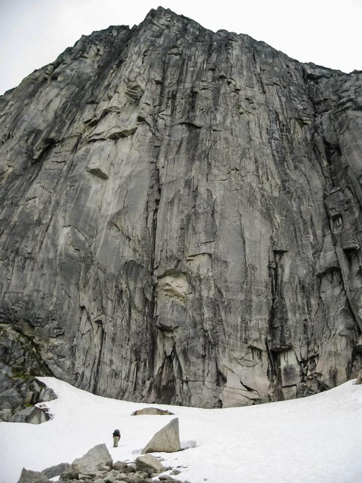 Jeg er glad jeg ikke skulle være med på turen opp nordveggen av Blåmannen på Kvaløya. En fryktingytende fjellside.