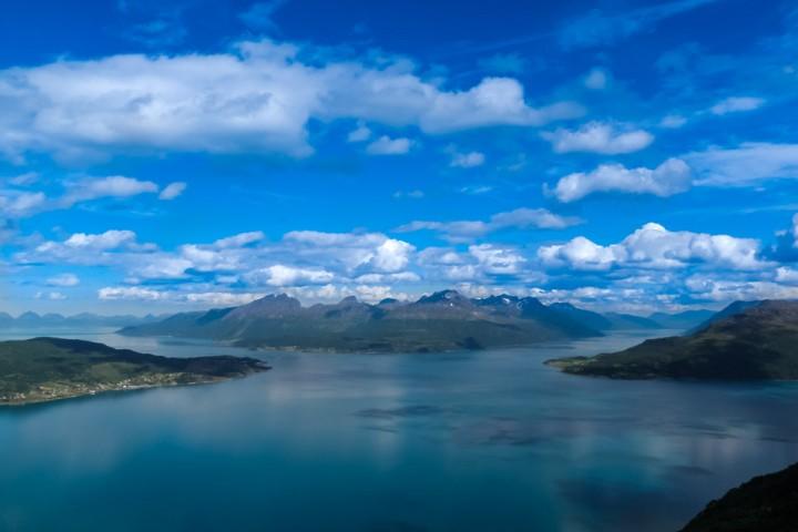 Fra fjellene ved Grovfjorden og nordover.