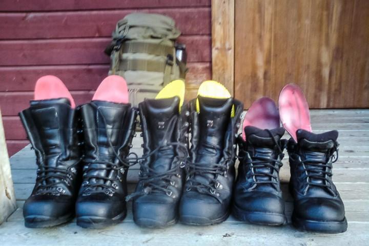 Å veksle mellom flere par sko gir skoene mulighet for å tørke før neste gang de brukes. Da holder de seg lengre.