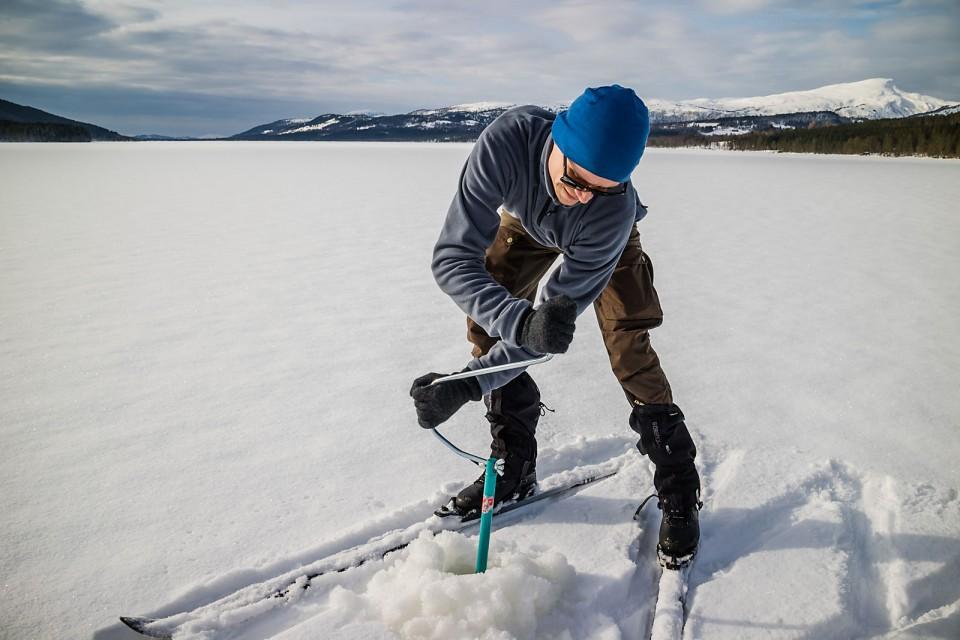 Tre lag med is måtte vi gjennom etter vinterens mange mildvær.