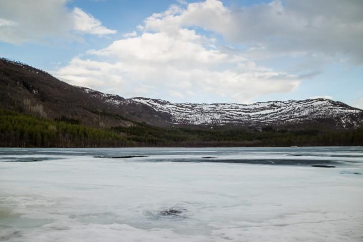Mørk grå is på fredag 13.