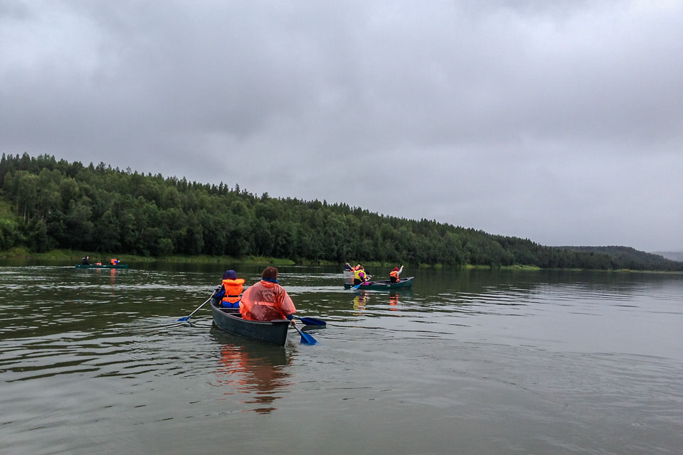 Oppdrag som friluftslivsveileder på kanotur med en gruppe fra Fellesforbundet i forbindelse med sommerleir på Haraldvollen.