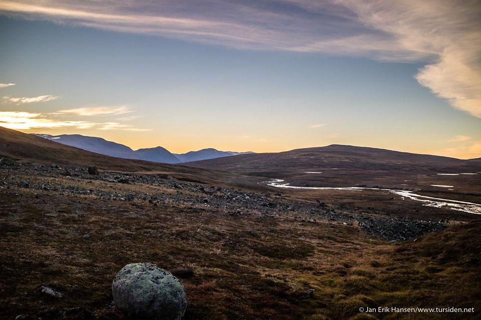 Solnedgang på vei inn Skakterdalen.