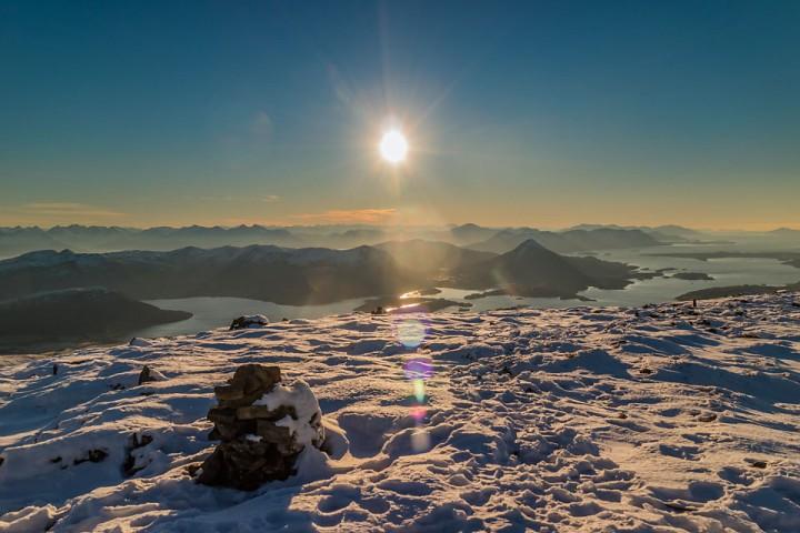 Lav novembersol over Frenfjorden.