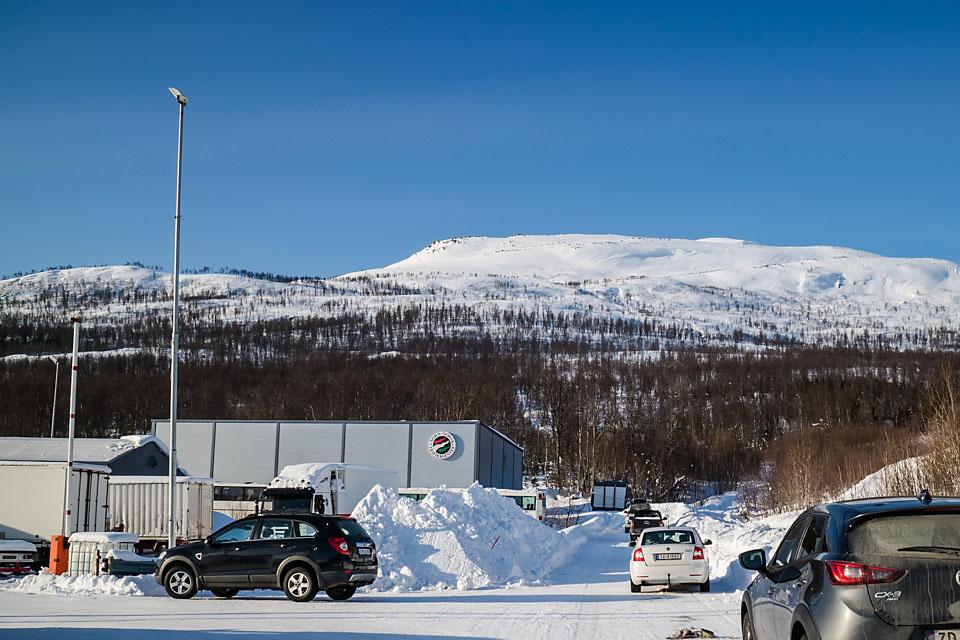Turen starter ved Nord-Norsk Trafikksenter på Finnfjordeidet.