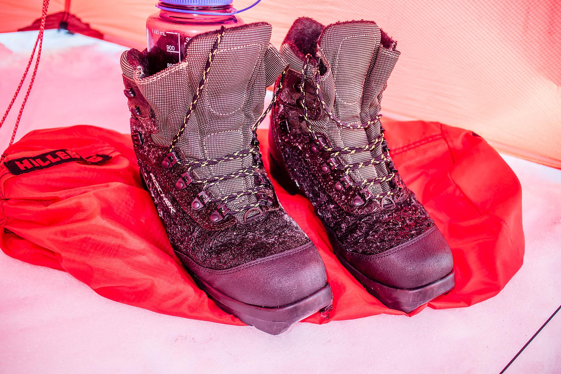 3a7fccf4337 Å legge en flaske med varmt vann ned i skoene en stund før de skal brukes er  et godt triks på vintertur. Her er det imidlertid viktig å være sikker på  at ...