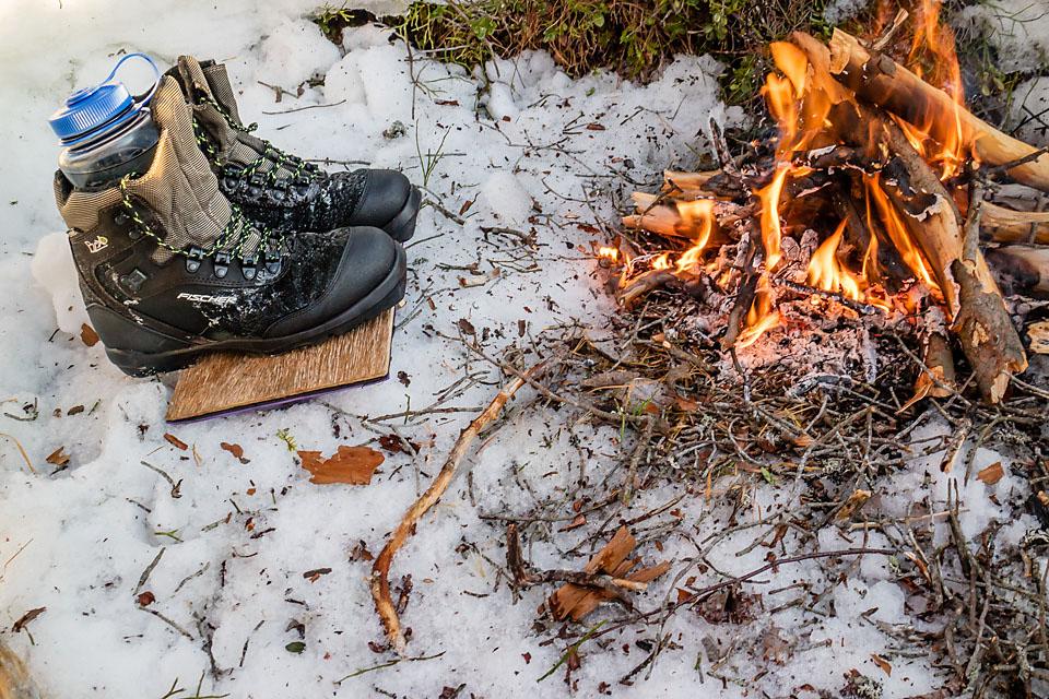 db131343ddd Det beste er selvsagt å holde skiskoene tørre. Pass derfor på å impregnere  de slik at snø ikke så lett smelter på skoene og trekker inn.